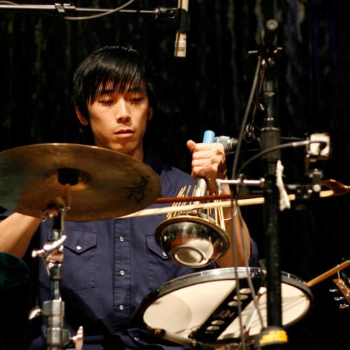 Alex Wong, waterphone, percussionist,